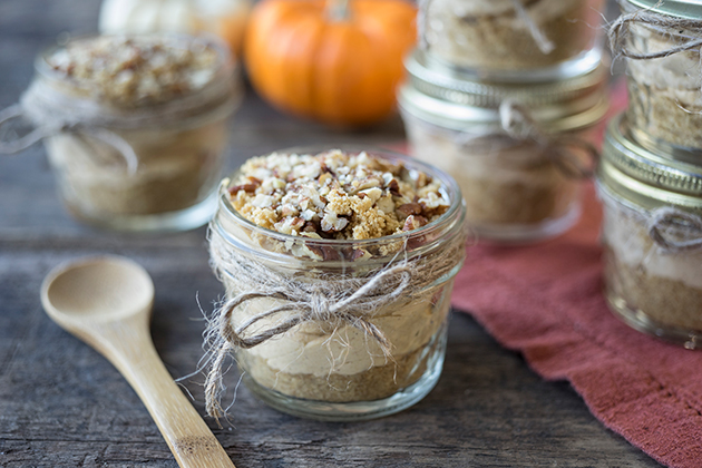 No-Bake Mason Jar Pumpkin Cheesecake
