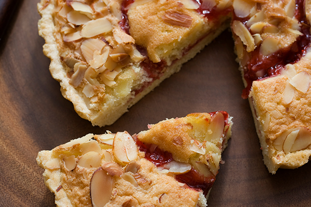 Streusel Topped Cranberry Pear Tart