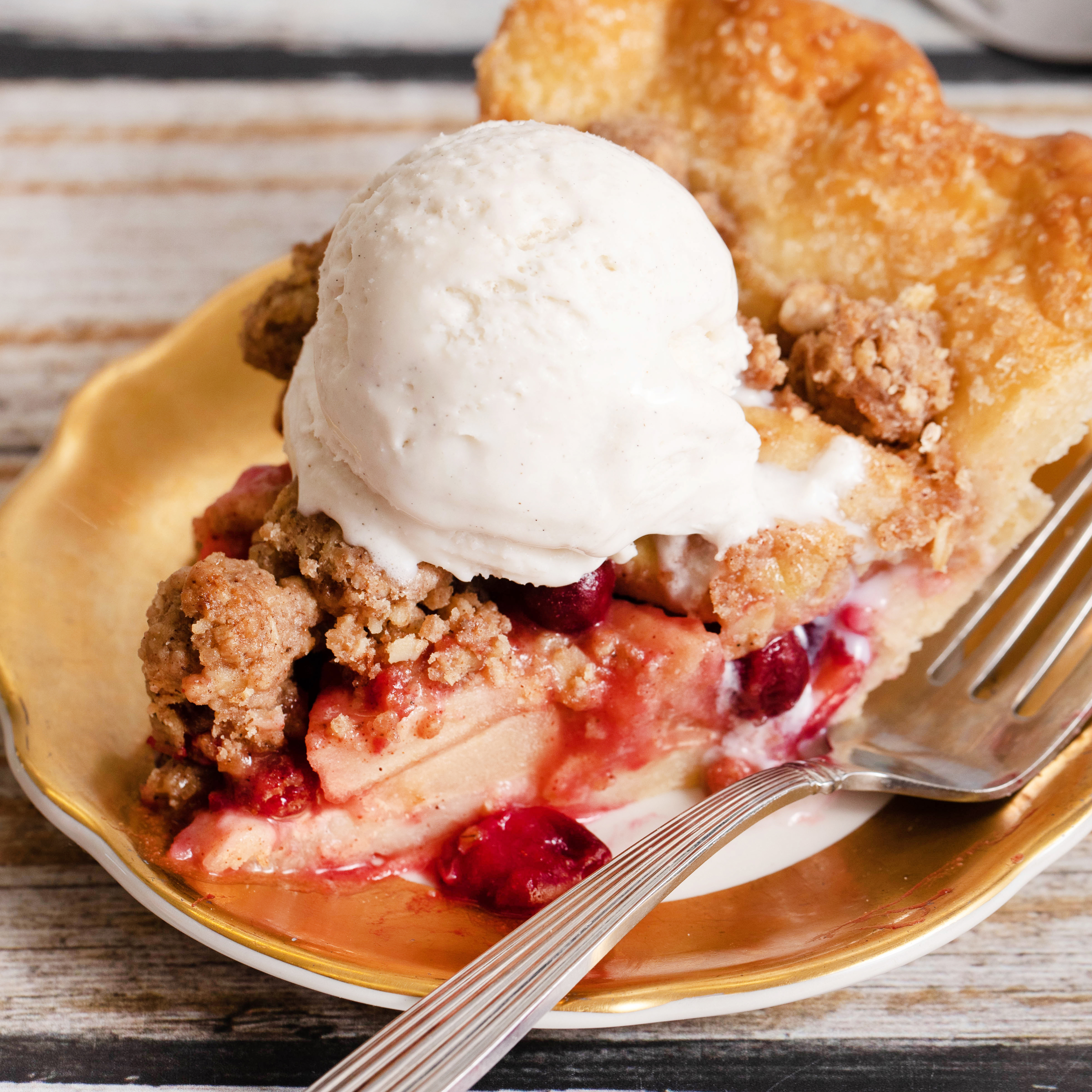 Reduced Sugar Cranberry Apple Streusel Pie